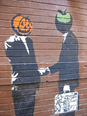 Mr. Pumpkin and Mr. Apple (CC BY-SA 2.0) by Orin Zebest